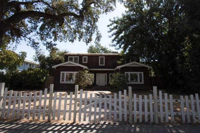 411 W Grove Ave, Visalia, CA 93291
