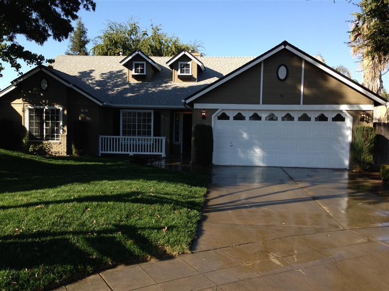 193 E Cromwell Ave, Clovis CA 93611