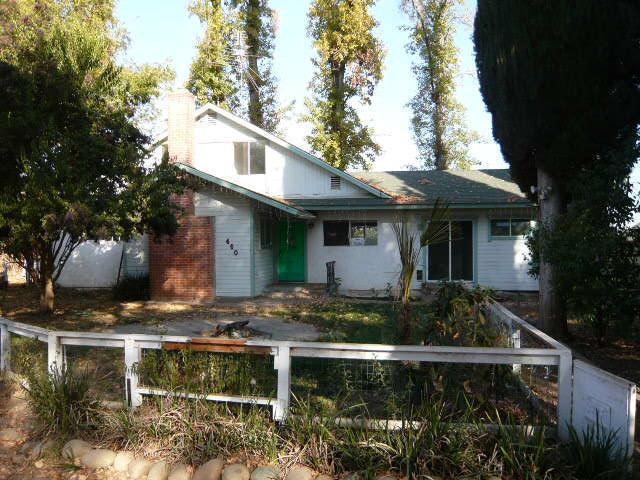 458 N Rio Vista Ave, Sanger CA 93657