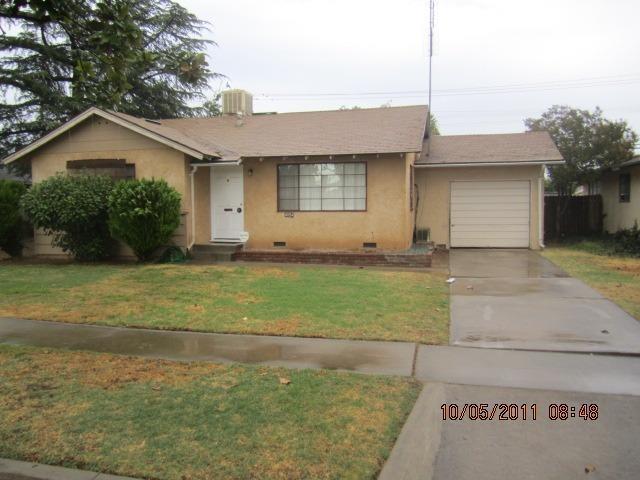 4054 N Ila Ave, Fresno, CA 93705
