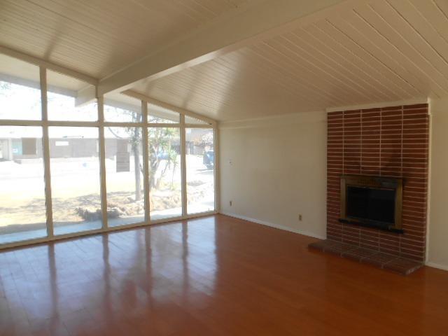5034 E Belmont Ave, Fresno CA 93727