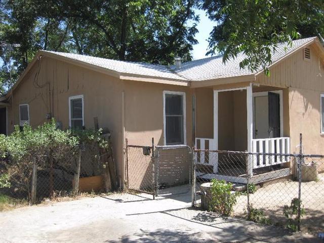 10039 S S Highland Ave, Selma, CA 93662