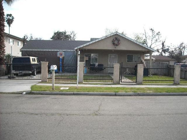 4772 E Clay Ave, Fresno, CA 93702