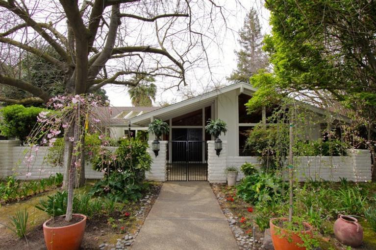 6161 N Van Ness Blvd, Fresno, CA