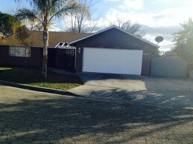 5238 E Illinois Ave, Fresno, CA 93727