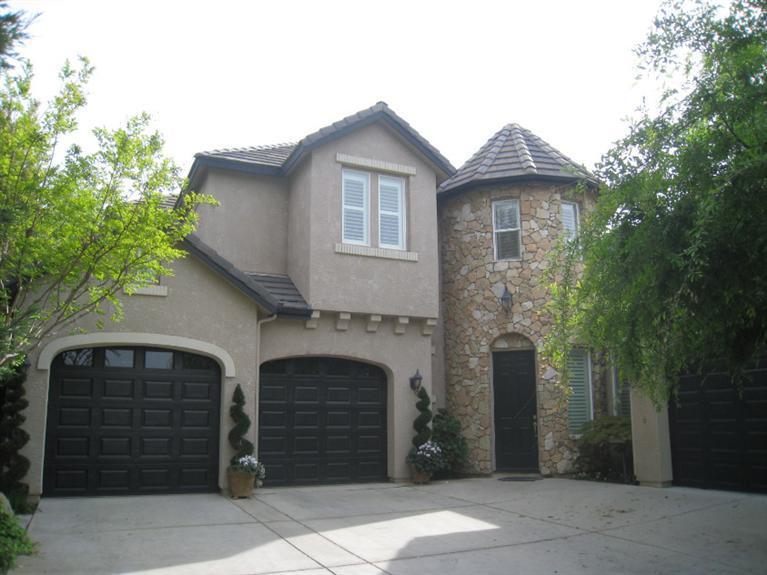 1715 E Wallington Ln, Fresno, CA