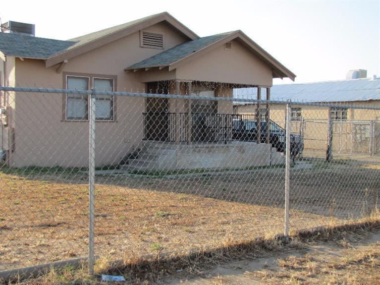86 Academy Ave, Sanger, CA