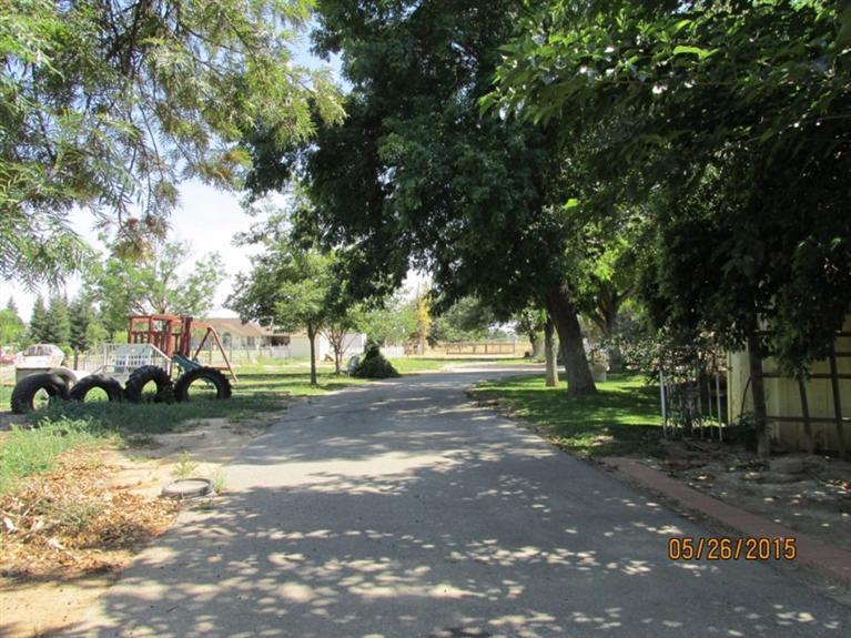 3725 W Olive Avenue, Fresno, CA 93722