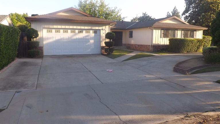 3169 W Roberts Ave, Fresno, CA