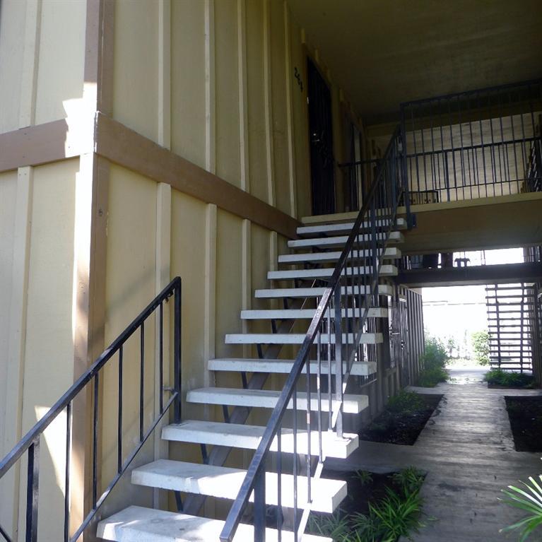 1221 N Peach Ave #APT 264, Fresno, CA