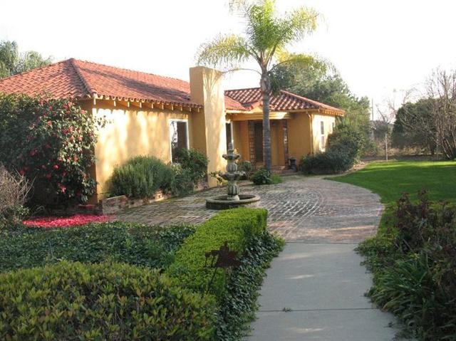 1384 S Frankwood Ave, Sanger, CA