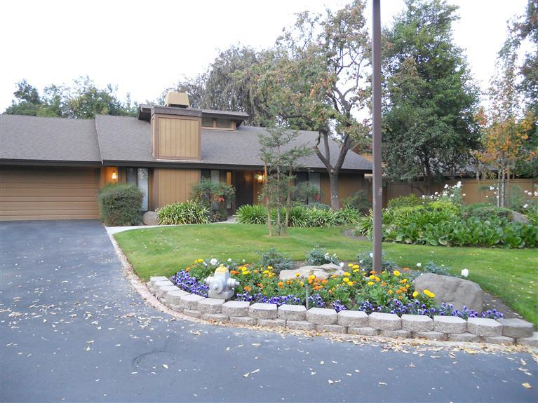 6300 N Palm Ave #APT 139, Fresno, CA