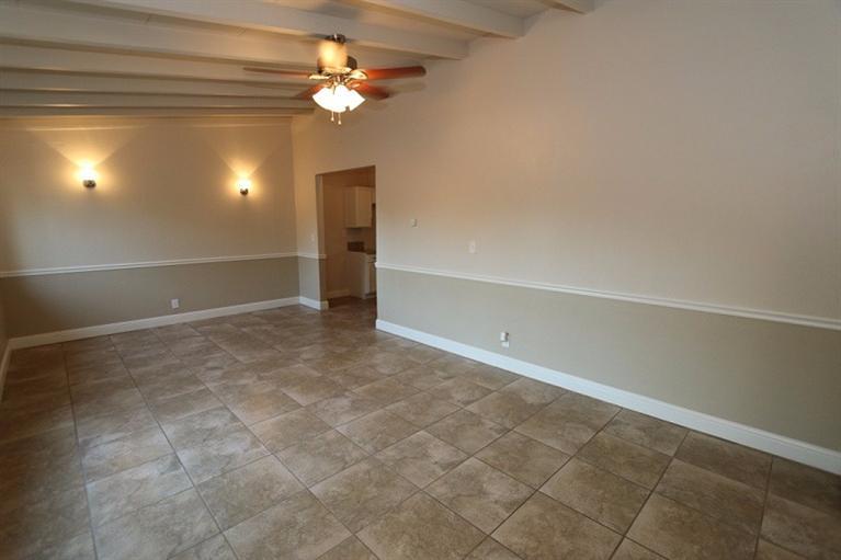 2246 W Cortland Ave, Fresno, CA