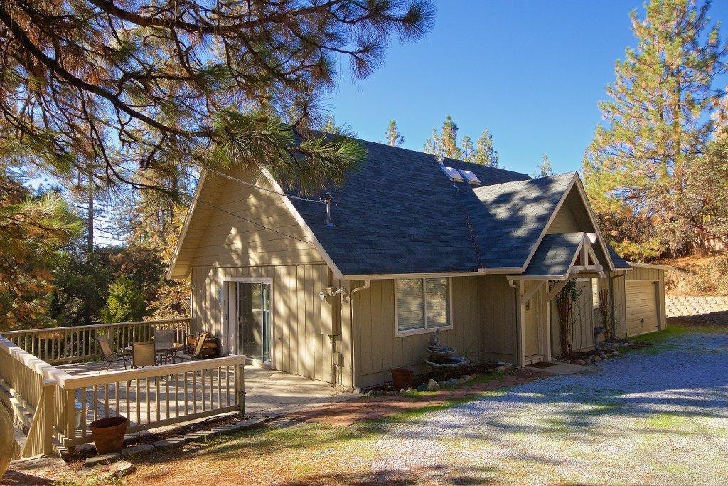 43128 Country Club Dr, Oakhurst, CA