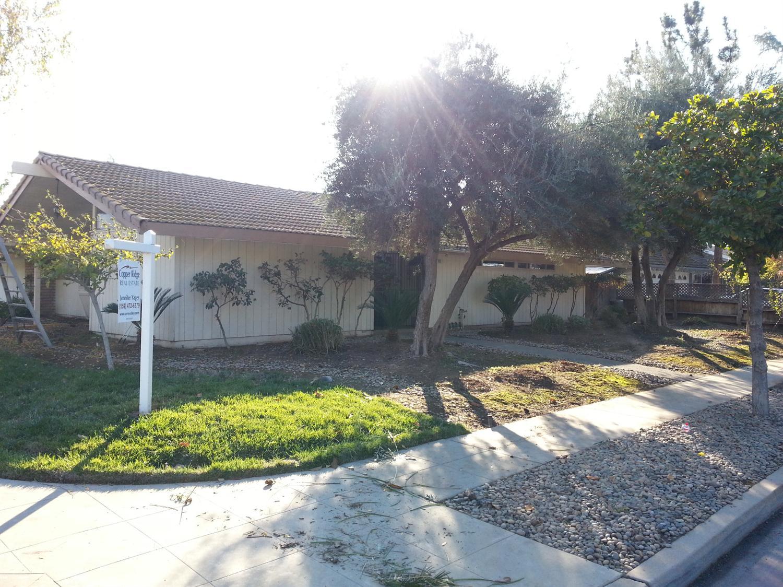 633 W Magill Ave, Fresno, CA