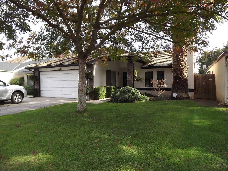 2552 N Selland Ave, Fresno, CA