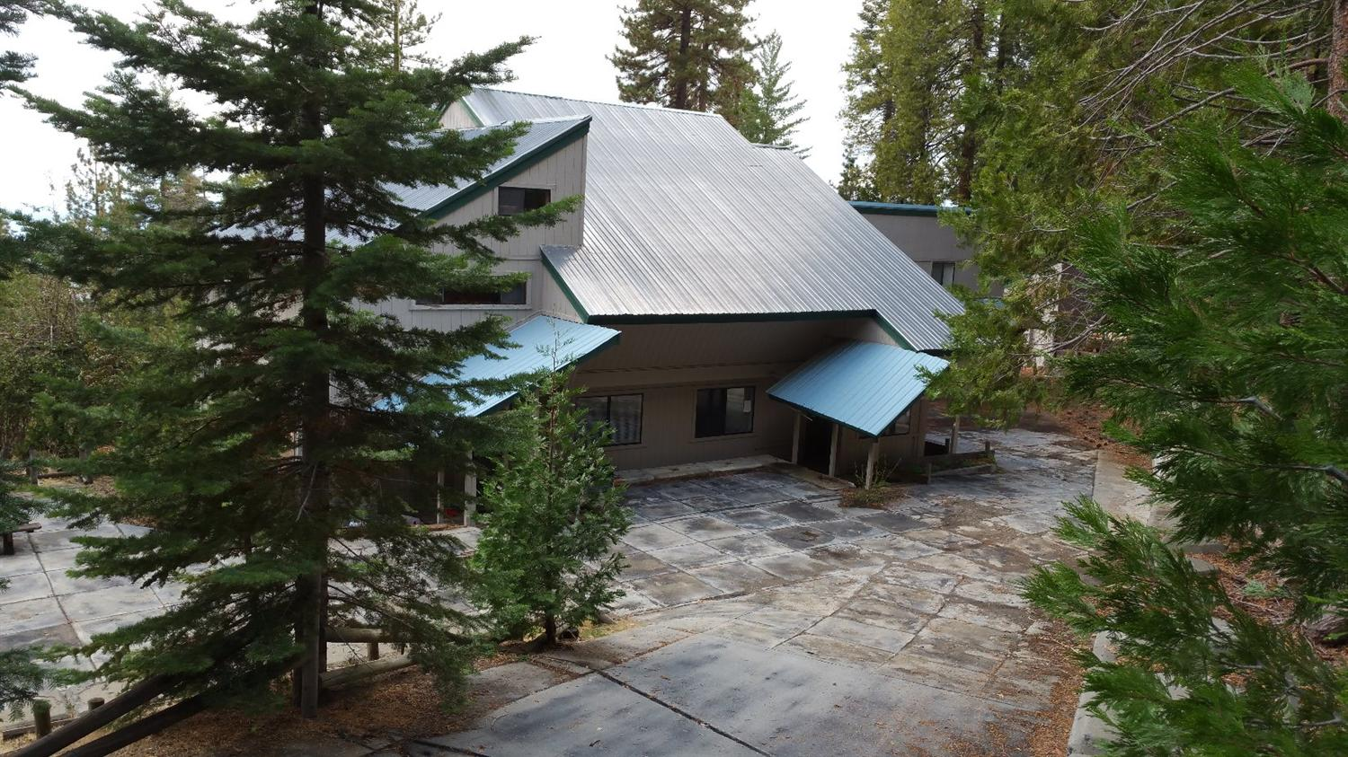 39046 Woodland Rd, Shaver Lake, CA