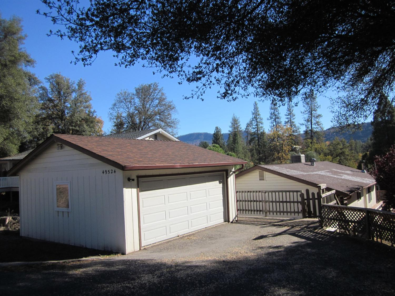 49524 Pierce Dr, Oakhurst, CA