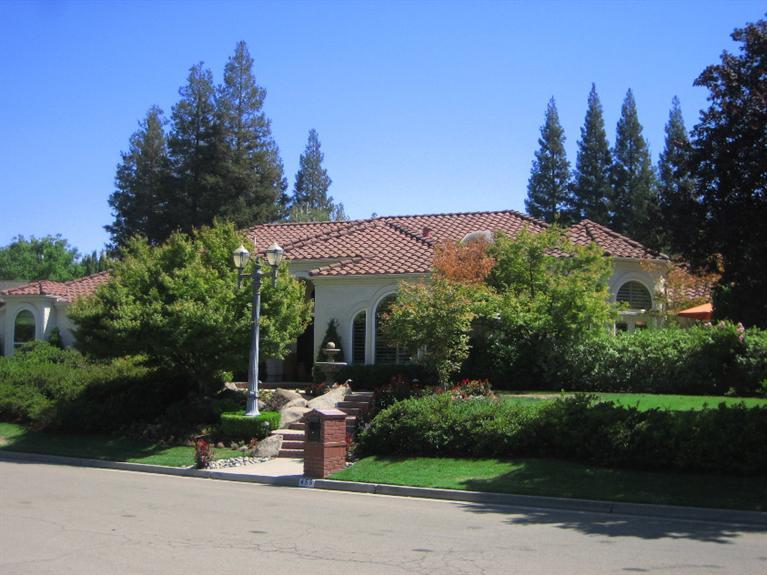 455 E Walnut Hill Ave, Fresno, CA