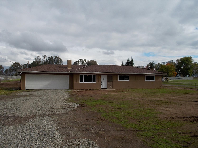 9528 N Fowler Ave, Clovis, CA