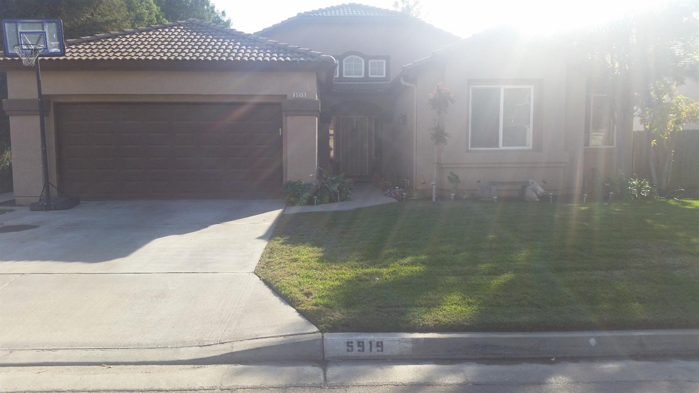5919 W Chennault Ave, Fresno, CA