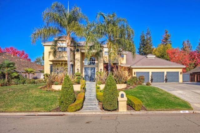466 E Hillcrest Ave, Fresno, CA