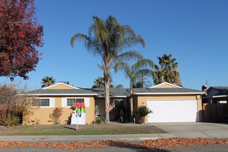 1625 Fairmont Ave, Clovis, CA