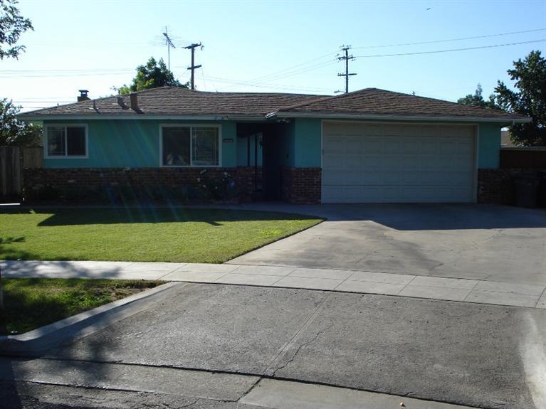 1956 W Garland Ave, Fresno, CA