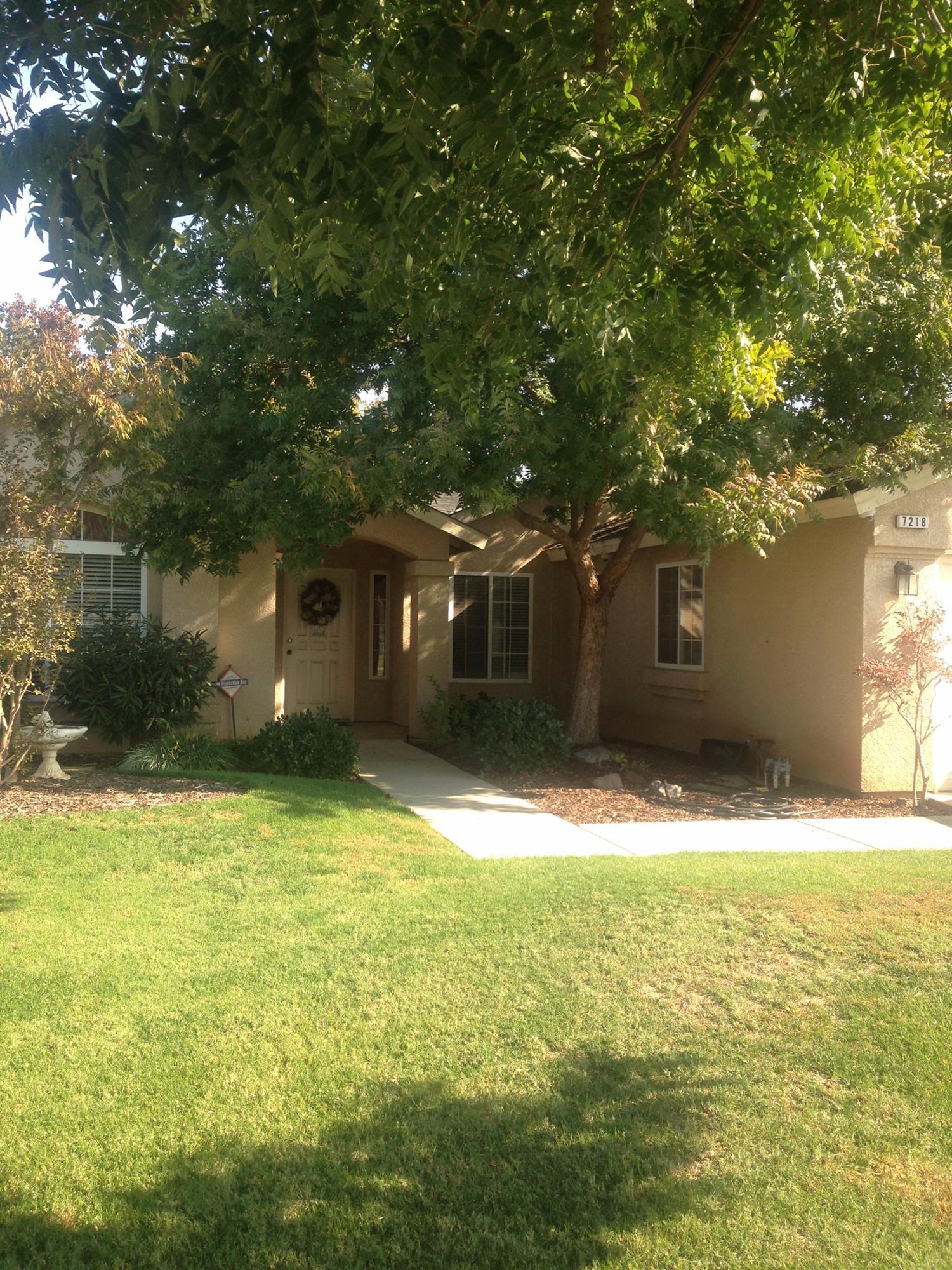7218 N Adoline Ave, Fresno, CA