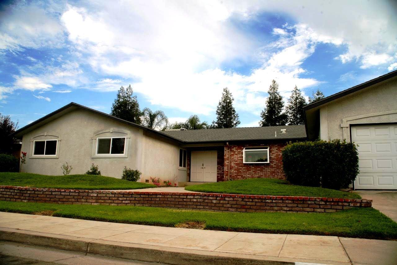 1844 Dennis Ave, Clovis, CA