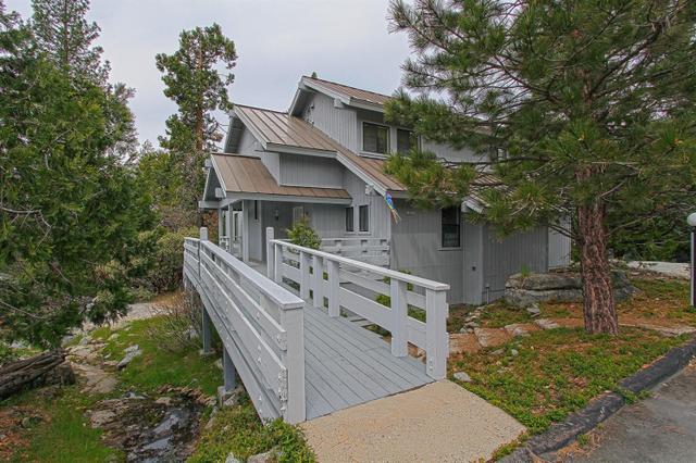 40762 Village Pass Ln, Shaver Lake, CA 93664