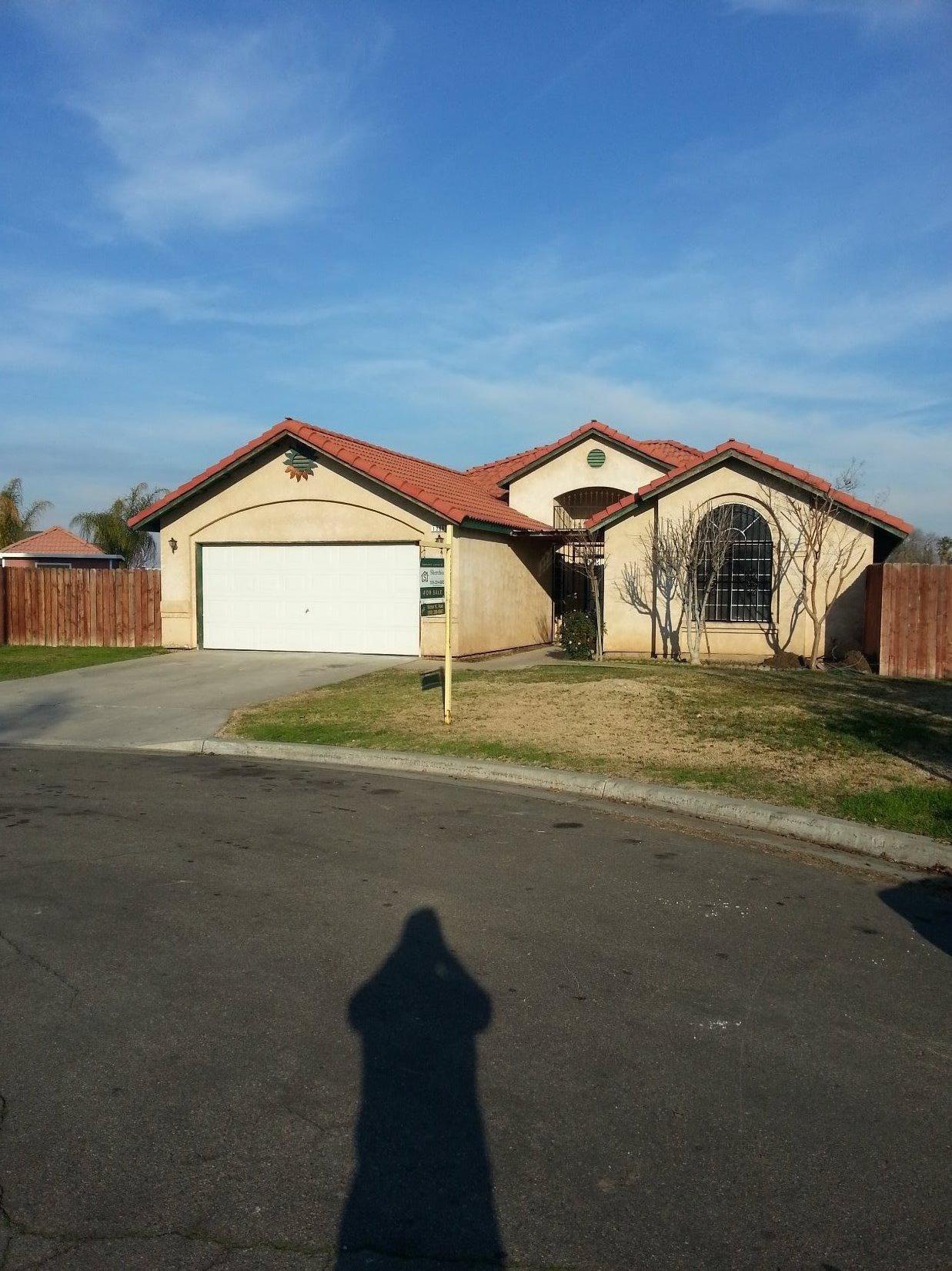 1268 N Homsy Ave, Fresno, CA