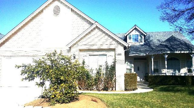 2604 E Goshen Ave, Fresno CA 93720