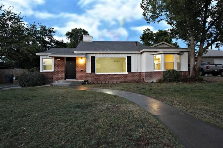 715 W Lamona Ave, Fresno, CA