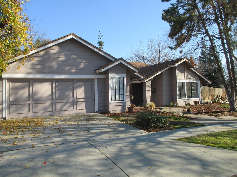 7570 N 6th St, Fresno, CA