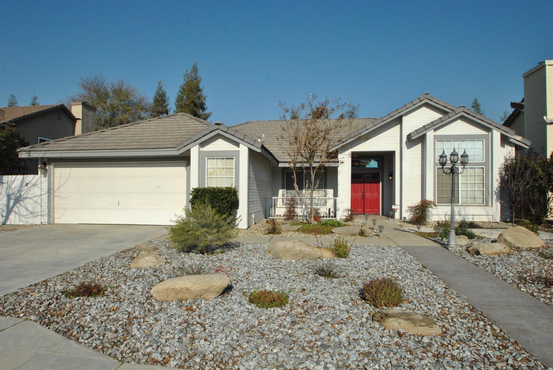2051 Decatur Ave, Clovis, CA