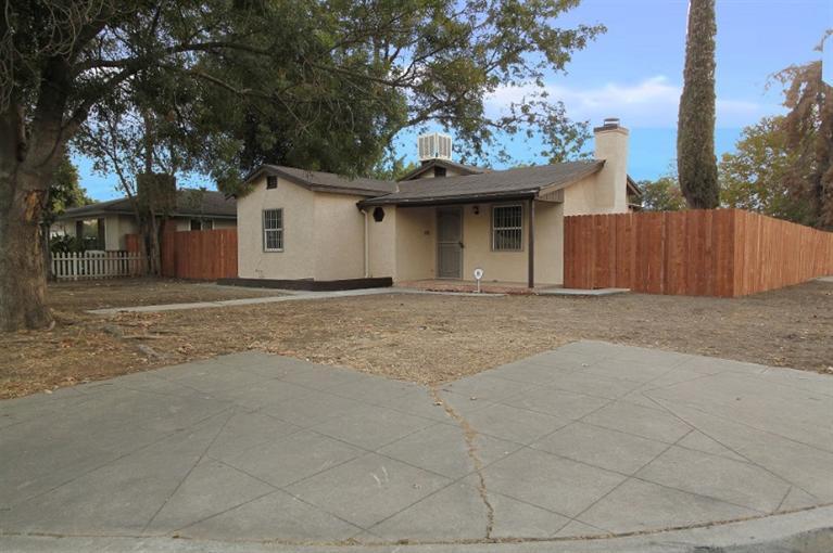 1941 N Angus St, Fresno, CA