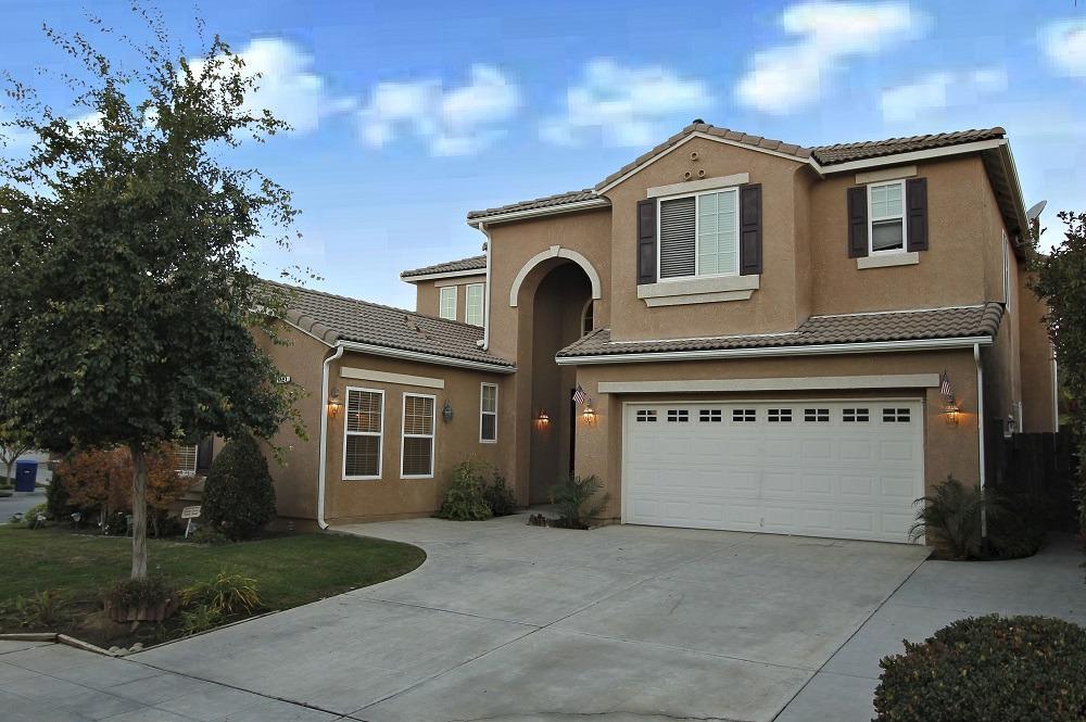 1124 N Applegate Ave, Clovis, CA