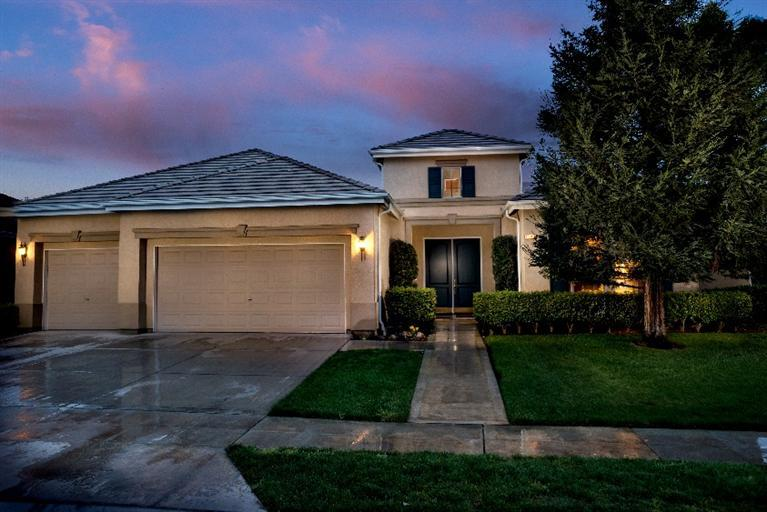 1549 Rogers, Clovis, CA