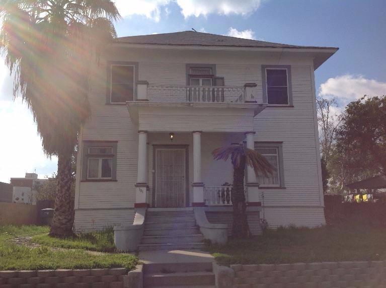 121 N U St St, Fresno, CA