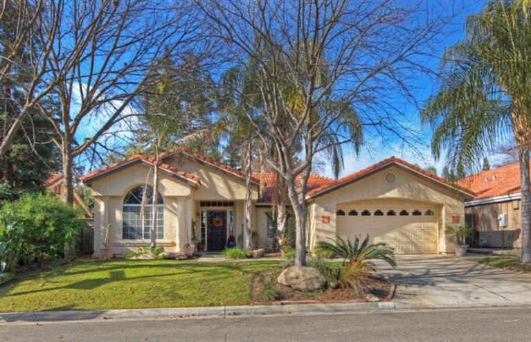8867 N Hayston Ave, Fresno, CA