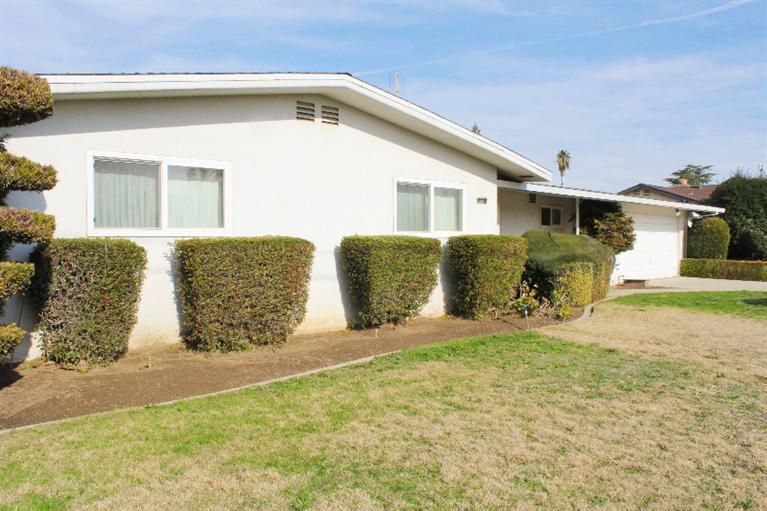 1411 E Ashlan Ave, Fresno, CA
