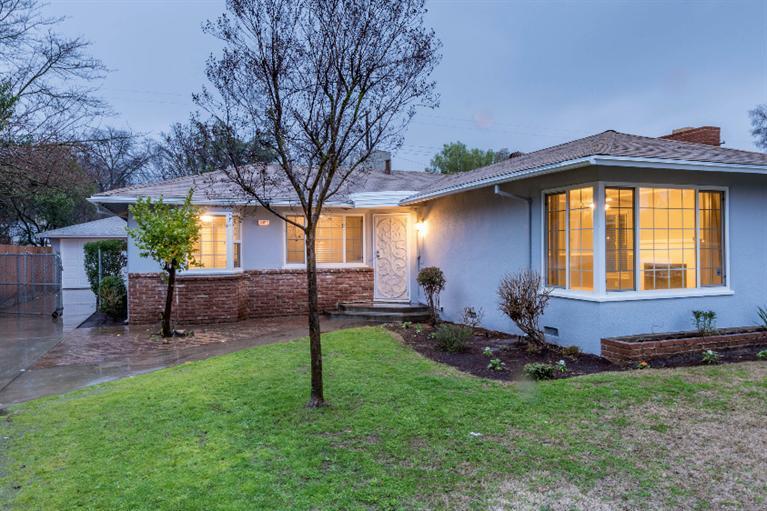 2505 N Adoline Ave, Fresno, CA