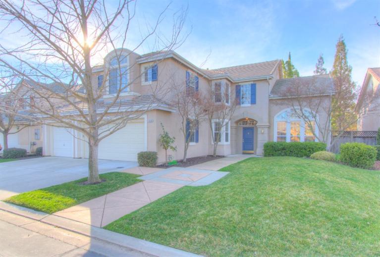 10295 N Sterling Ln, Fresno, CA