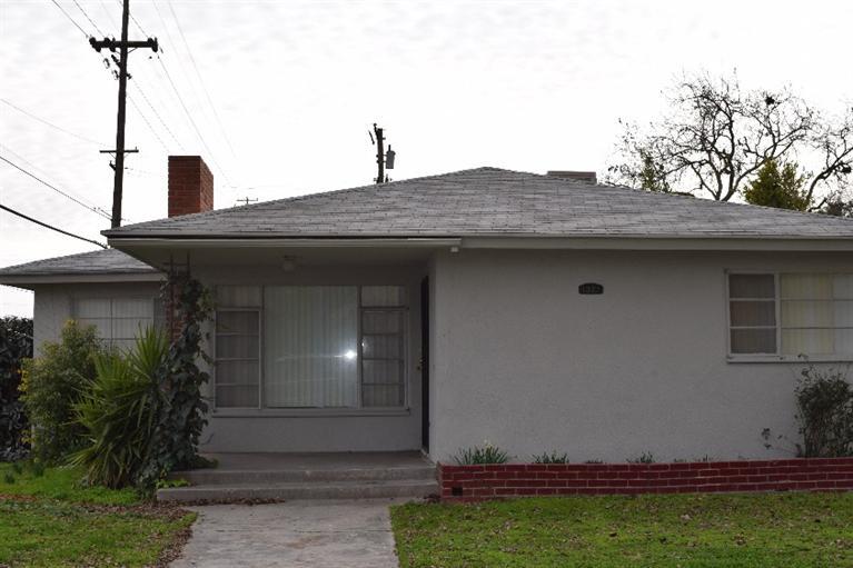 1301 W Robinson Ave, Fresno, CA