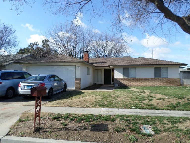 431 N Sabre Dr, Fresno, CA