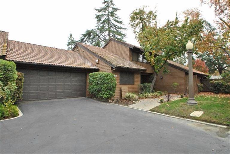2035 W Barstow Ave, Fresno, CA