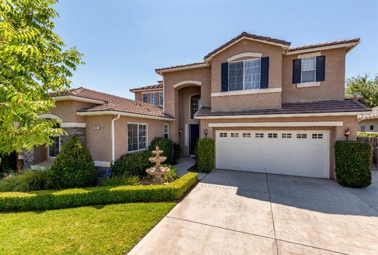 2362 Prescott Ave, Clovis, CA