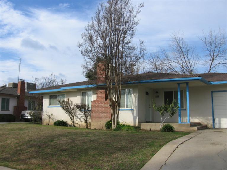 1126 W Dayton Ave, Fresno, CA