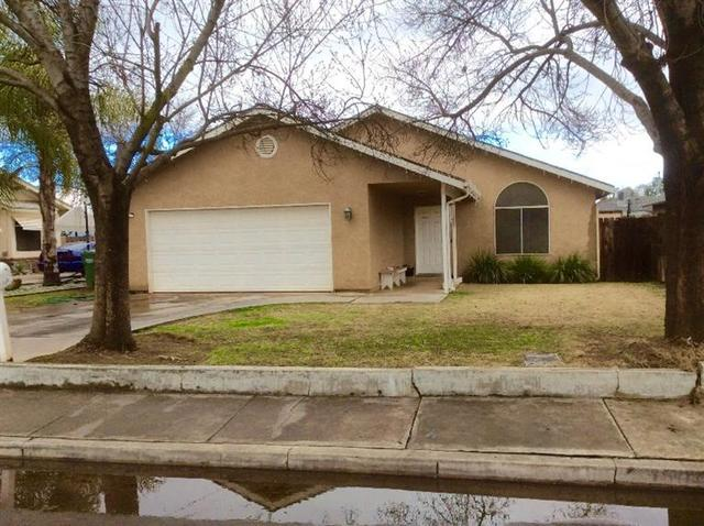 650 N Whitney Ave, Dinuba, CA 93618